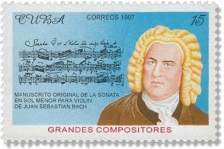 Auf der querformatigen blauen Briefmarke hat Johann Sebastian Bach eine gelbe Perücke und ist rechts im Bild. Links sieht man eine Seite Noten einer Sonate in seiner Handschrift.