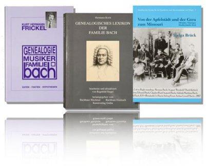 Im Foto sieht man drei Bach-Bücher zum Thema Bach-Genealogie nebeneinander schweben. Sie spiegeln sich auf dem weißen Untergrund und Hintergrund. Es sind die drei Bücher von Frickel, Kock und Brück.
