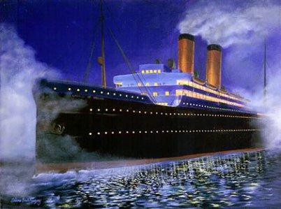 """Im Bild sieht man ein Gemälde des Passagierschiffes """"Empress of Ireland"""" im Stil um 1900 in voller Fahrt. Schwarz, zwei gelbe Schornsteine, es spiegelt sich im Wasser: ein Gemälde von Briana Bach-Hertzog."""