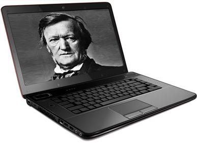 Ein seltenes Bild zum Zitat zu Bach: Wagner auf dem Bildschirm eines aufgeklappten Laptops, allerdings als sehr grobes Ölgemälde. Der Laptop ist auf weißem Untergrund.